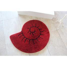 Červená koupelnová předložka v podobě ulity Celine